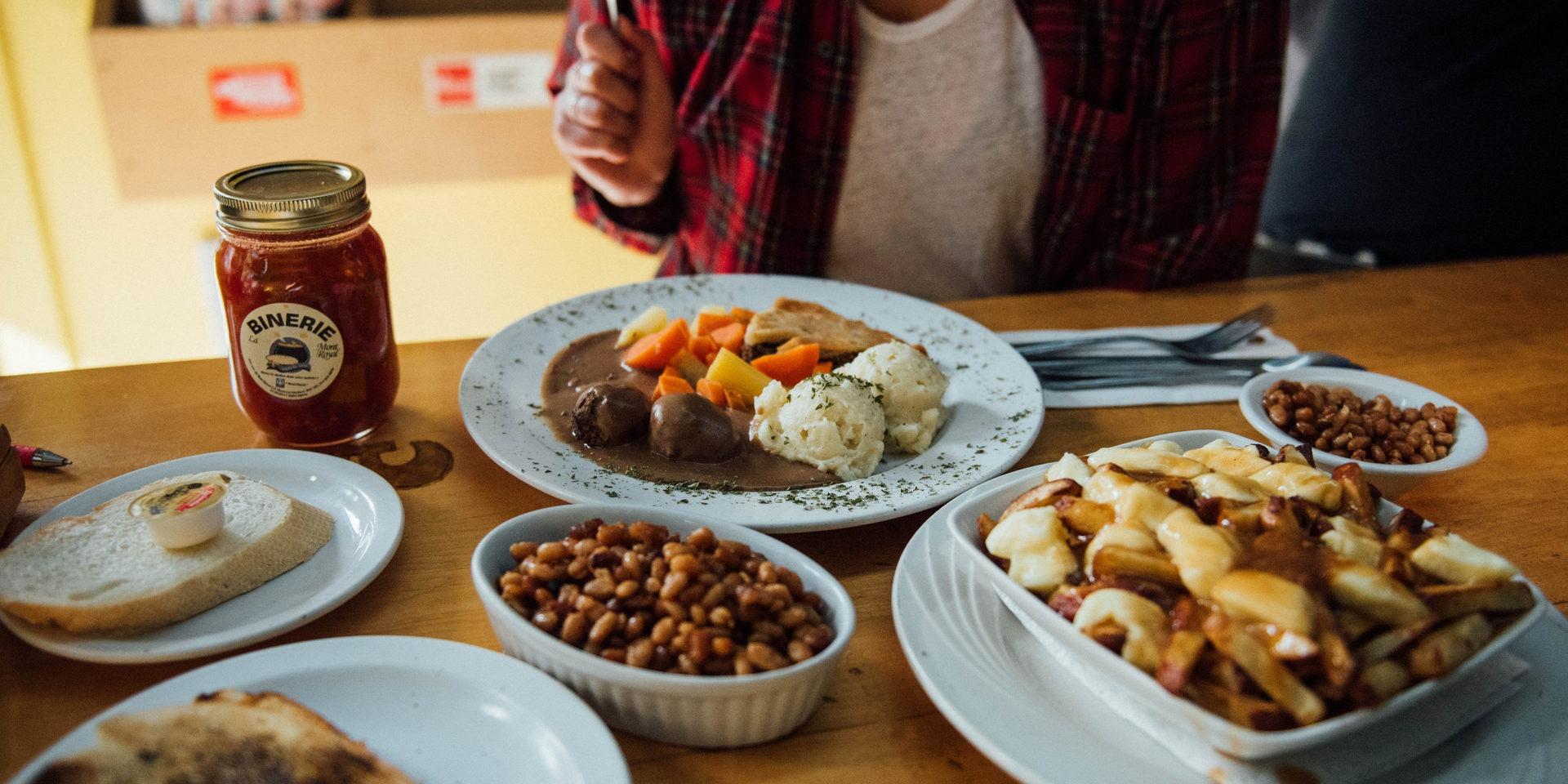 o manger de la cuisine traditionnelle qu b coise montr al tourisme montr al